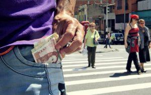 Alcanza el sueldo mínimo en Colombia