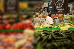 Sueldo mínimo en Chile alcanza para comer