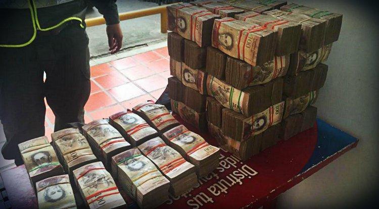 Contrabando de billetes de 100