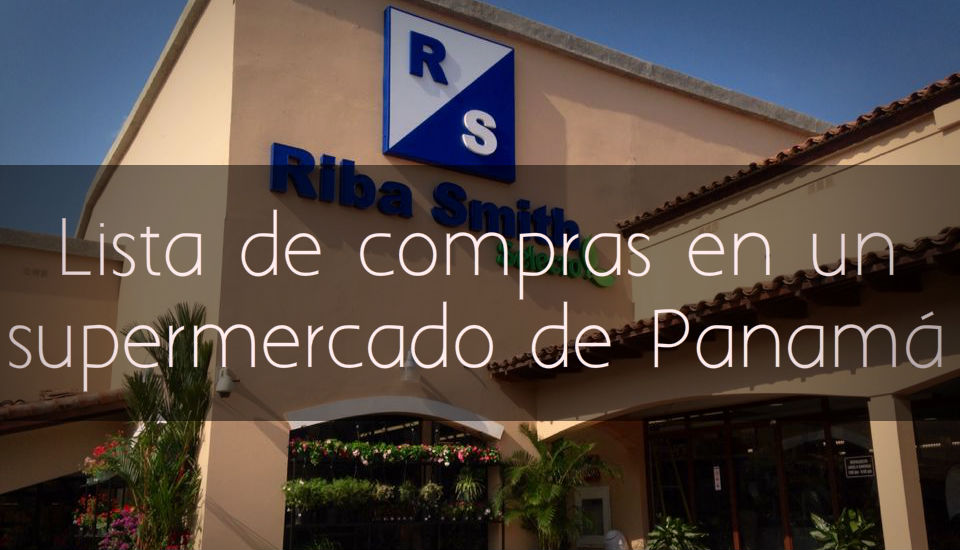 Lista de compras en un supermercado de Panamá