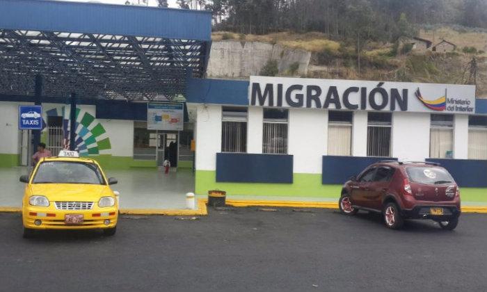 Migración Ecuador Cedulas venezolanos