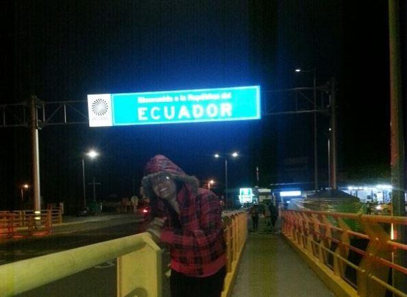 Frontera de ecuador pidiendo dinero en la frontera